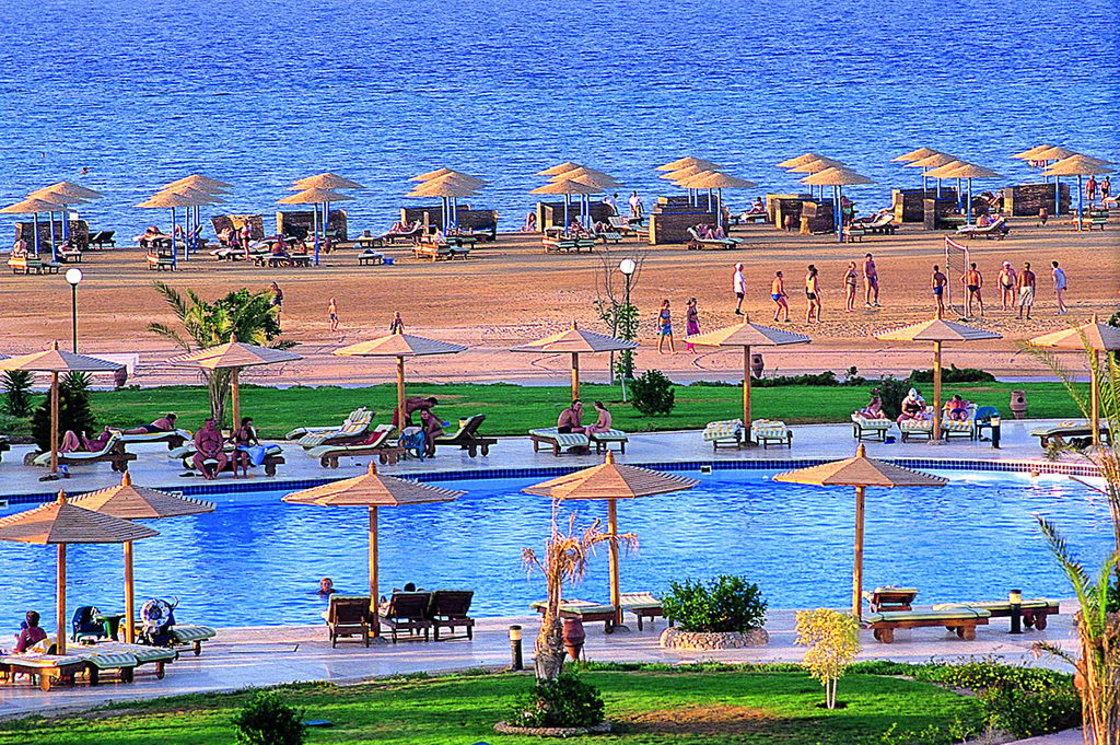 HILTON_HURGHADA_LONG_Beach5